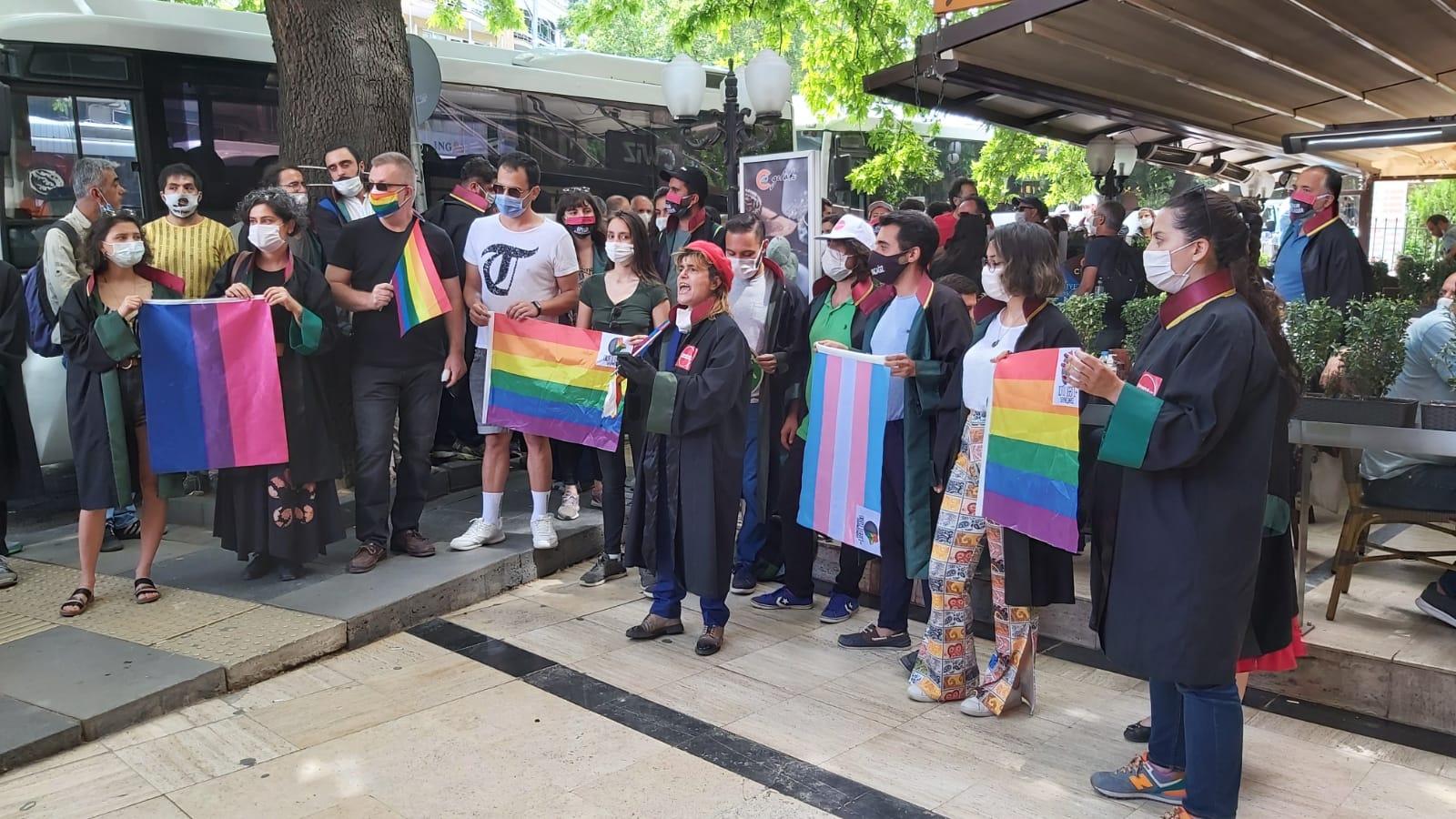 Avukatların direnişinde ODTÜ Onur Yürüyüşü'ne destek eylemi